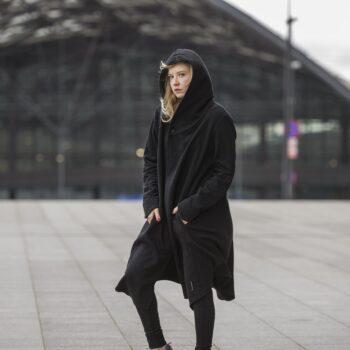 Długi, asymetryczny płaszcz z kapturem ASSASSIN unisex
