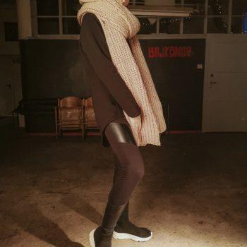 Mega długi SZAL handmade unisex beżowy